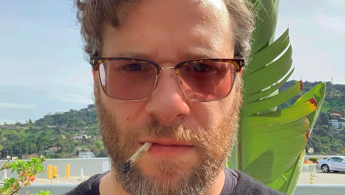 Seth Rogen considers himself a pothead rather than a stoner.